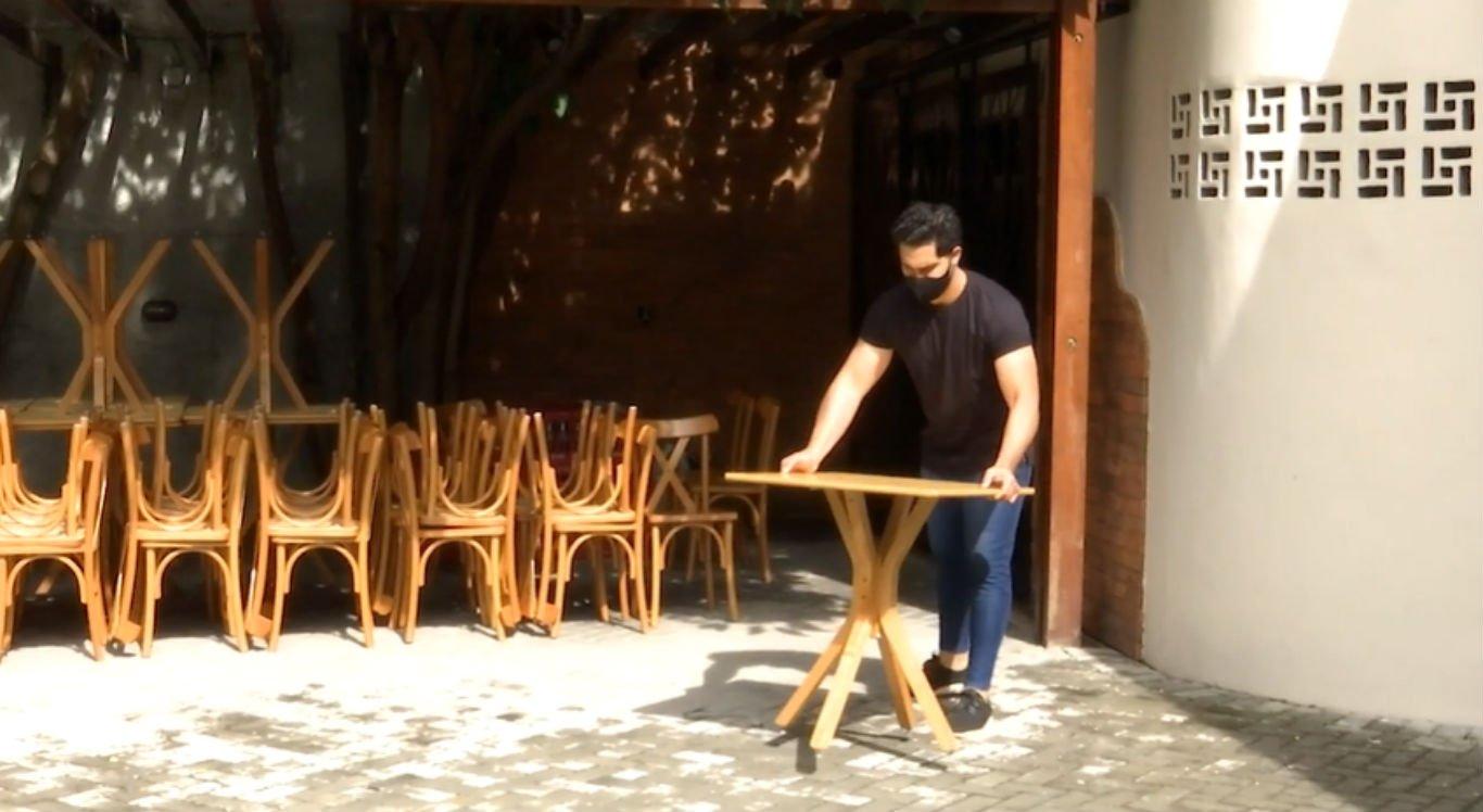 Restaurante se prepara para reabrir em Caruaru