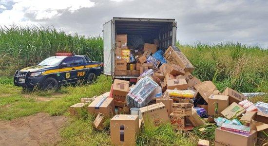 Carga de eletrônicos e alimentos roubada é recuperada em Paudalho