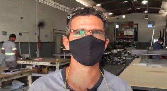 Ex-guardador de carros realiza sonho ao conseguir 1º emprego com carteira assinada em meio à pandemia