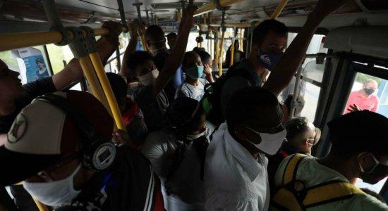 Trabalhadores se queixam de falta de ônibus na Região Metropolitana do Recife