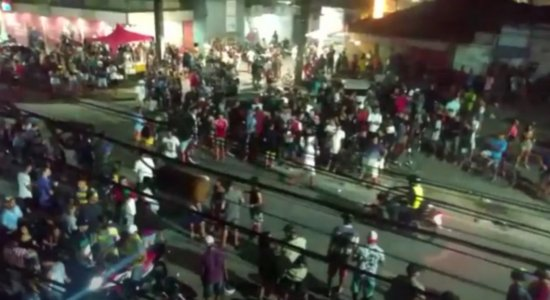 [Vídeo] Coronavírus: Morador denúncia aglomeração em festa em Prazeres
