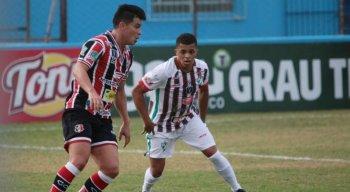Santa Cruz e Salgueiro se enfrentam no Arruda.