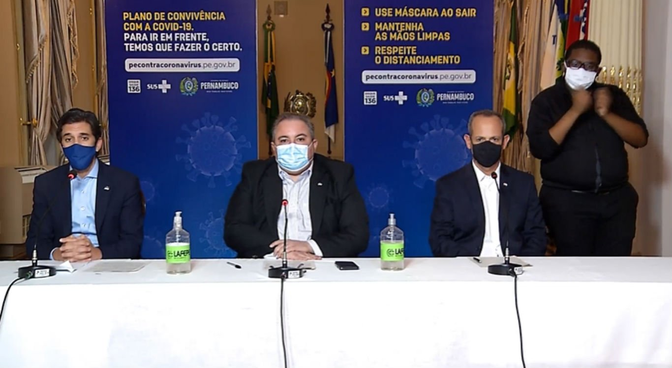 Coletiva de imprensa do Governo de Pernambuco nesta quinta-feira