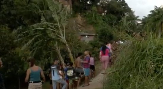 Homem é encontrado morto a tiros em matagal em São Lourenço da Mata