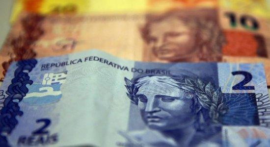 Bolsonaro diz que proposta de programa que substituiria Bolsa Família está suspensa
