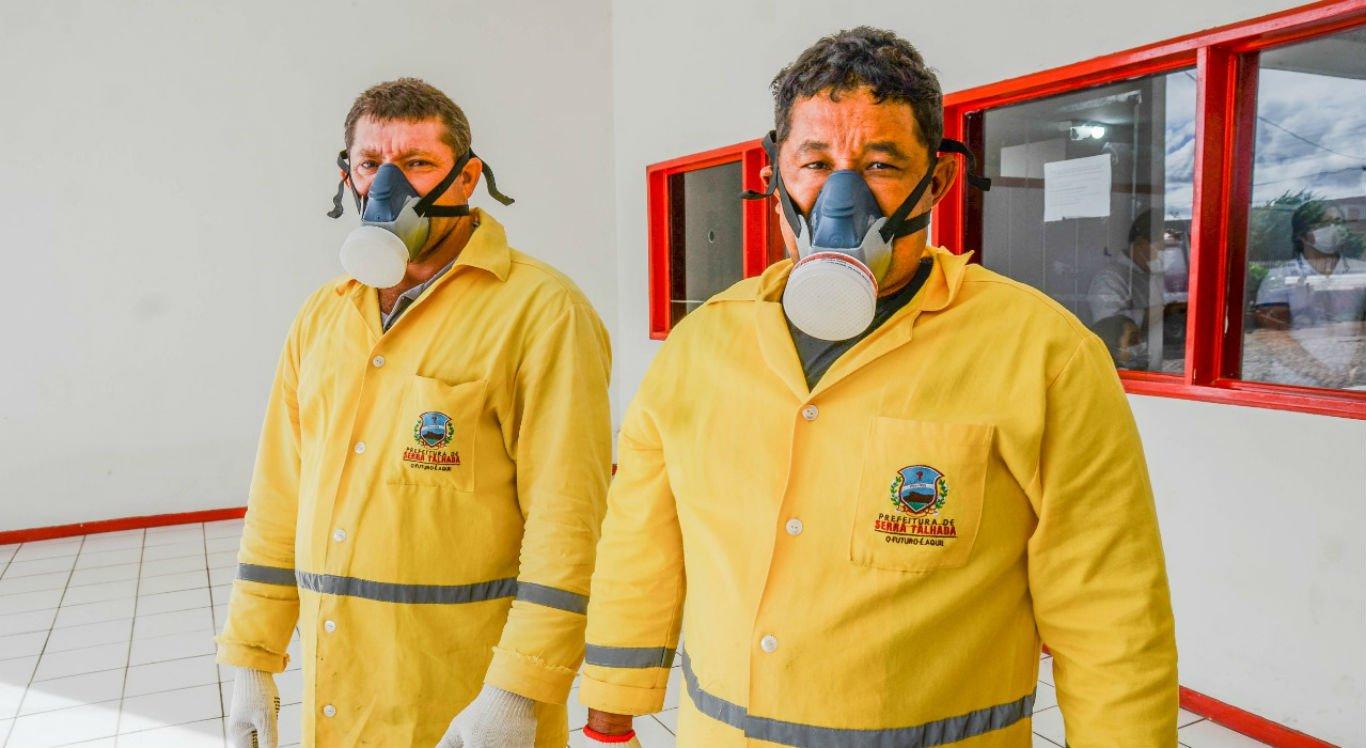 Trabalhadores da limpeza receberam equipamentos de proteção individual