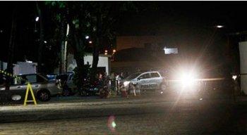 O suspeito de assassinar a sobrinha foi preso e levado para o DHPP