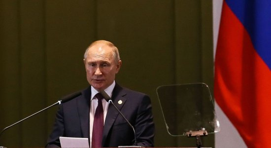 Vacina russa: Putin diz que filha já foi imunizada contra o coronavírus