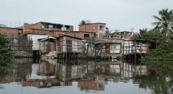 Sem água ou saneamento, moradores de palafitas do Recife têm maior risco de contágio pelo coronavírus