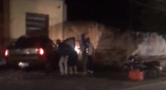 Major da PM bate em 4 veículos, deixa advogada ferida e recusa fazer teste do bafômetro em Casa Forte