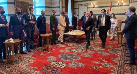 Chefe da missão brasileira no Líbano, Temer se reúne com primeiro-ministro interino do país