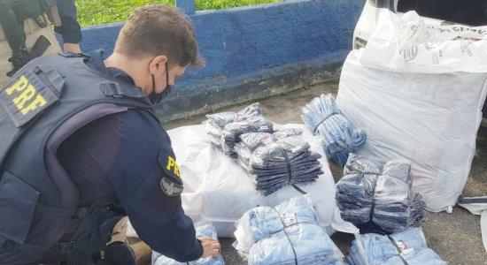 Homem é detido pela PRF com 400 roupas falsificadas em carro no Recife