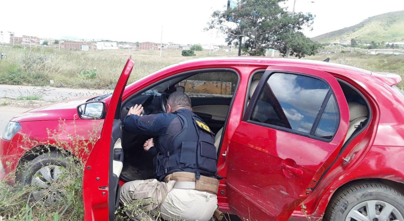 Carro apreendido havia sido roubado em Olinda, no Grande Recife