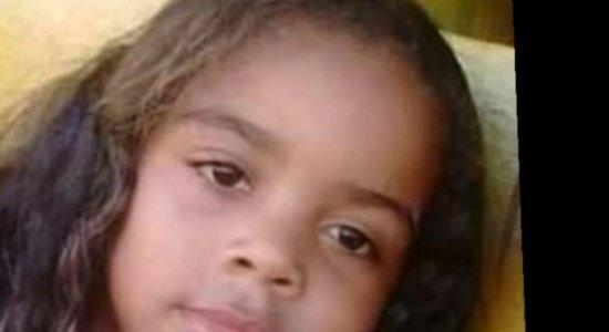 Menina de 8 anos é morta com tiro na cabeça dentro de mercadinho em Goiana