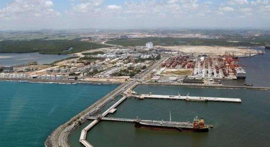 Pernambuco investiga suspeita de morte por coronavírus em navio atracado em Suape