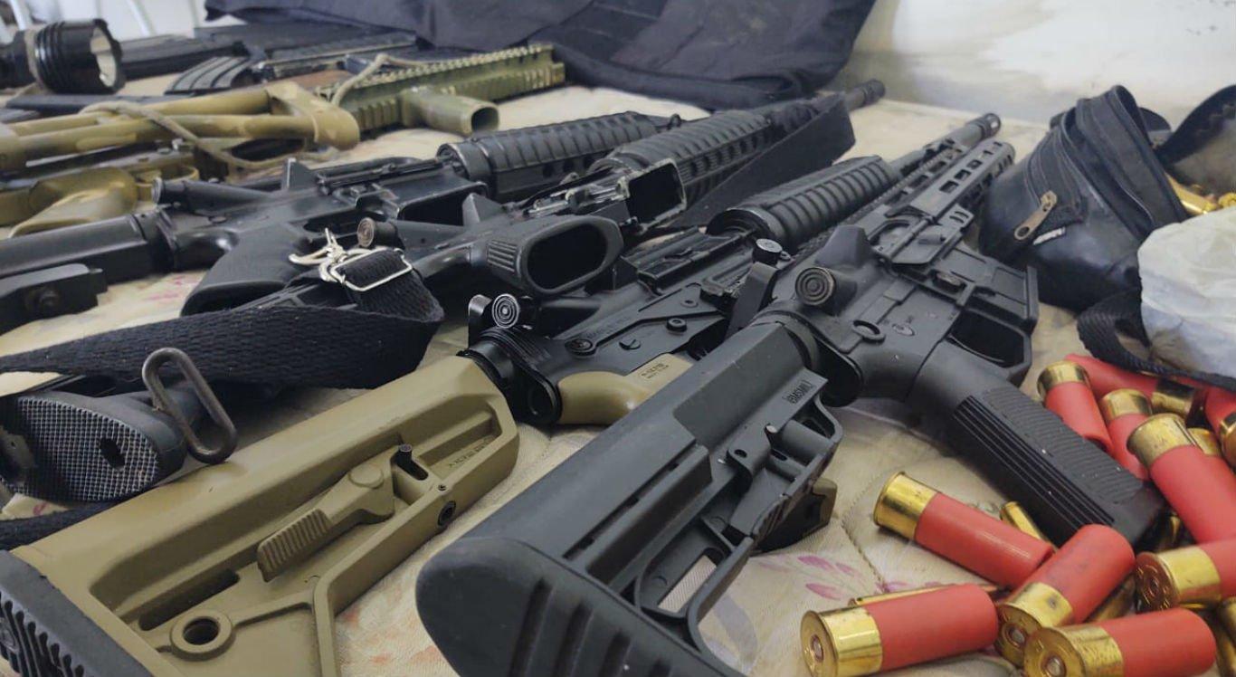 Armas e munições seriam utilizadas para assaltos a bancos e carros-fortes