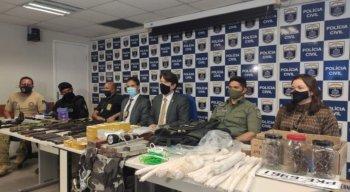 Com o grupo, a polícia encontrou armas de grosso calibre e explosivos