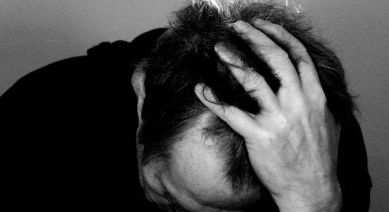 Estudo afirma que 1 em cada 16 pacientes do coronavírus desenvolve doença mental em três meses