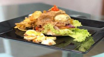 Mini-hambúrguer preparado pelo chef Rivandro França