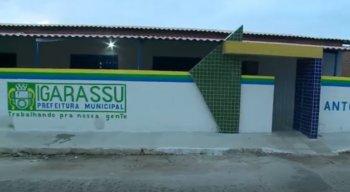 Professores da rede municipal de ensino de Igarassu afirmam que estão com salários atrasados