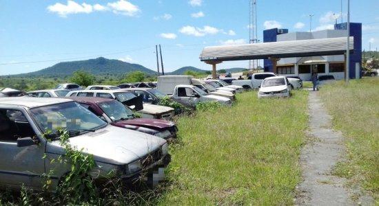 Carros foram leiloados pela PRF
