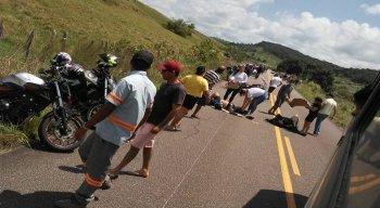 O acidente aconteceu neste domingo (23)
