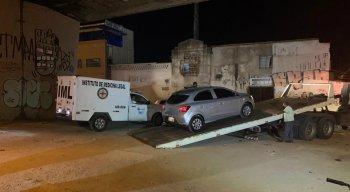 O Instituto de Medicina Legal (IML) foi até o local para recolher o corpo da vítima