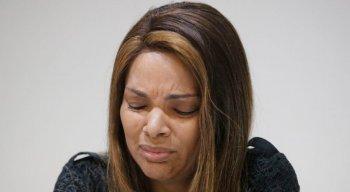 Medida veio depois que deputada foi acusada de mandar matar o marido