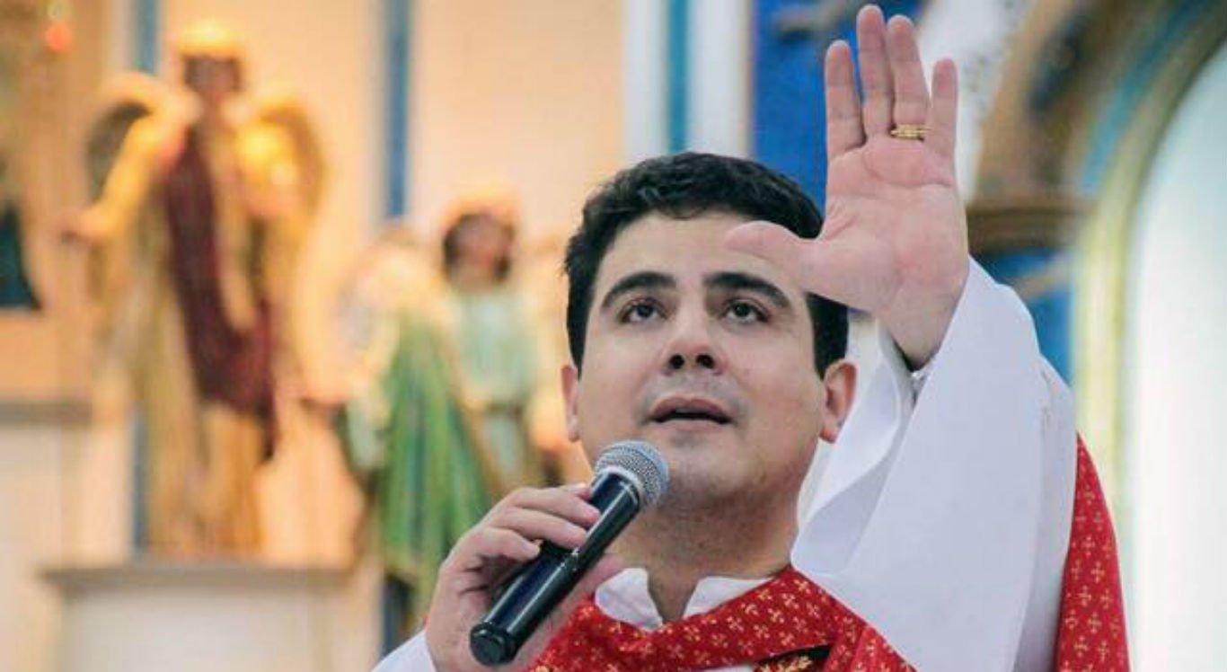 Padre Robson de Oliveira, fundador da Afipe