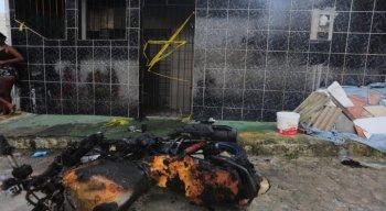 O homem queimou a moto de Talita, o carro, os móveis e ainda tentou cortar a mangueira do botijão de gás