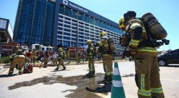 Trinta pacientes foram retirados às pressas da unidade