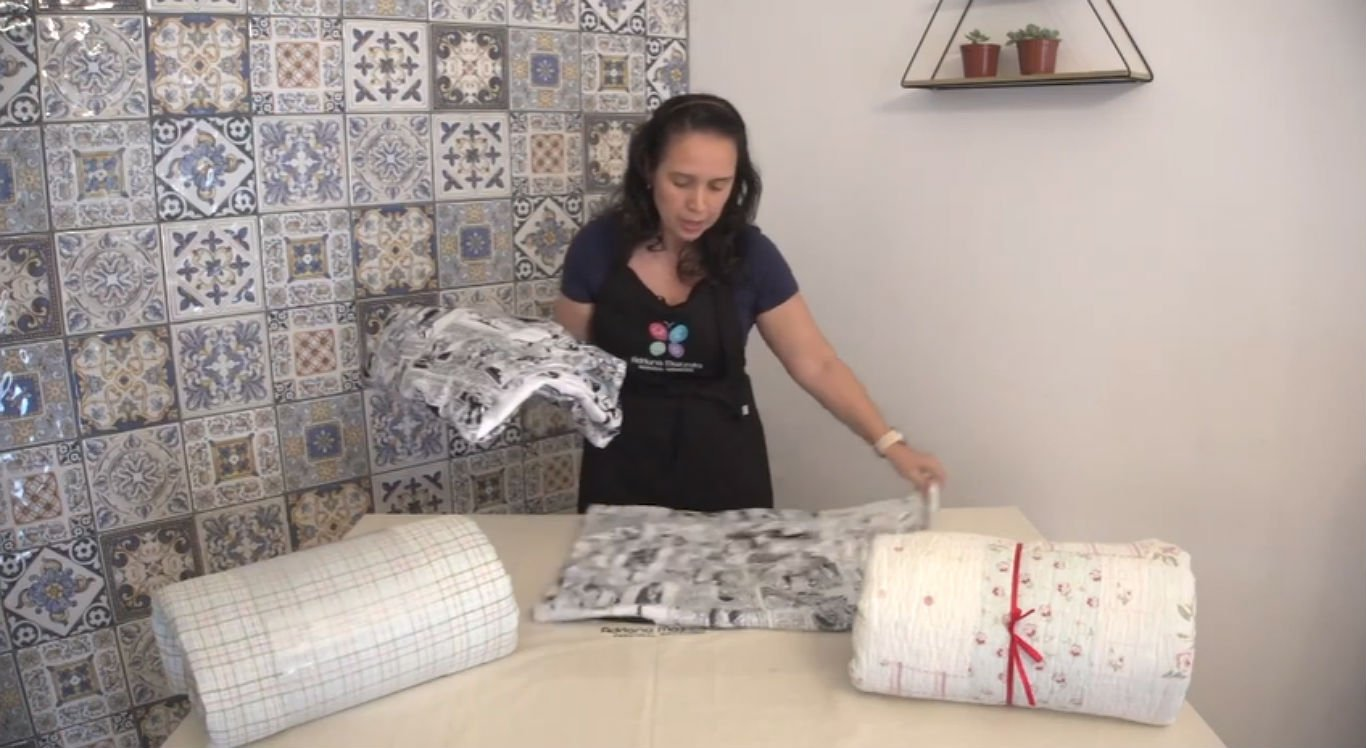 Personal organizer explica como guardar lençóis e edredons