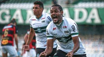 Sabino marcou o gol da vitória do Coritiba diante do Sport na Série A
