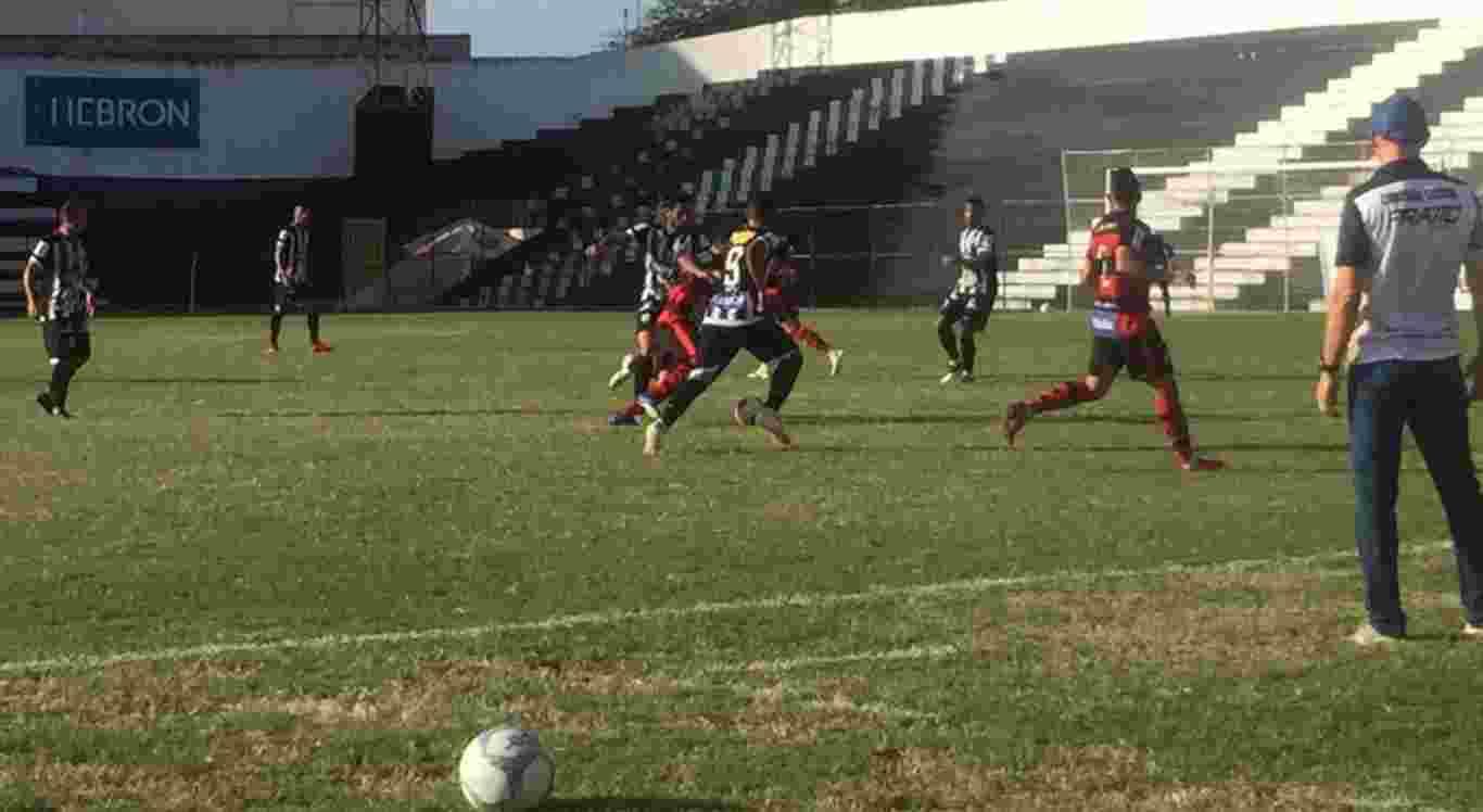 Com dois gols de Doda, Patativa derrotou a Raposa paraibana, neste sábado, no Luiz Lacerda