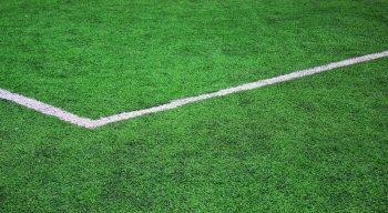 Um empresário do setor estaria cobrando R$ 10 por cada atleta amador que fosse jogar num dos dois seus campos instalados na cidade