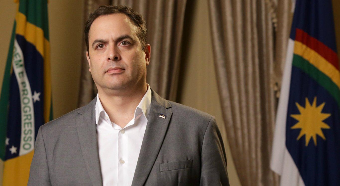 Paulo Câmara manteve a suspensão das aulas presenciais do ensino básico