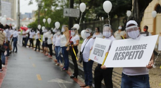 Pernambuco mantém suspensão de aulas presenciais na educação básica