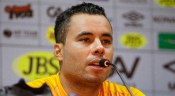 Jair Ventura comemorou a primeira vitória com o Sport na Série A