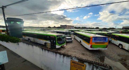 Paralisação de motoristas e cobradores afeta circulação de ônibus da Caxangá no Grande Recife