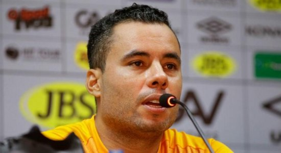 Jair Ventura lamenta segunda derrota consecutiva do Sport em casa