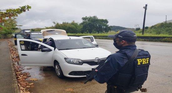 PRF apreende 23 veículos ilegais e detém 38 pessoas na Operação Tamoio em Pernambuco