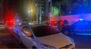 Viaturas da Polícia Militar estiveram no bar em Boa Viagem, na Zona Sul do Recife