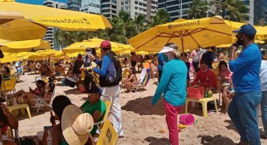 Movimentação na praia de Boa Viagem, na Zona Sul do Recife. no feriado de 07 de setembro