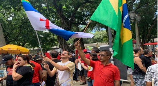 Mesmo com a pandemia, Grito dos Excluídos luta contra preconceito, miséria e repressão nas ruas do Recife