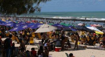 Praia de Boa Viagem lotada em dia de Feriadão de Sete de Setembro.