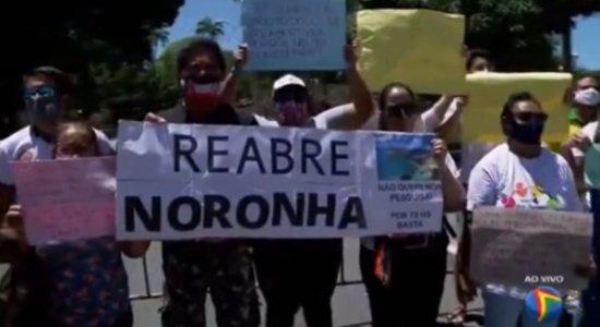 Empresários, moradores e frequentadores de Fernando de Noronha fazem carreata para pedir reabertura gradual total da ilha