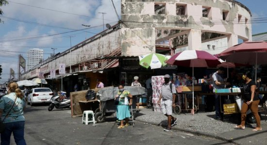 População reclama do descaso e abandono da Avenida Dantas Barreto