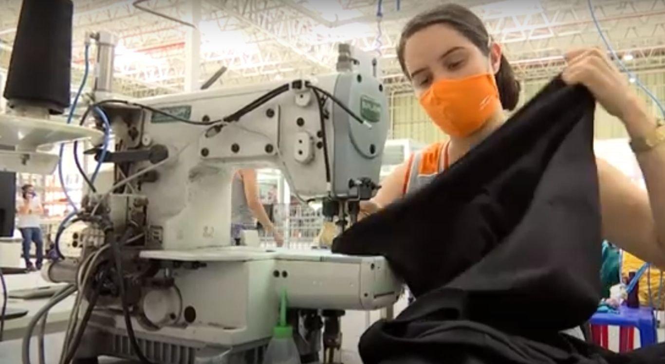 Neste retorno às atividades, costureiras e produtos se encontram escassos em Santa Cruz do Capibaribe