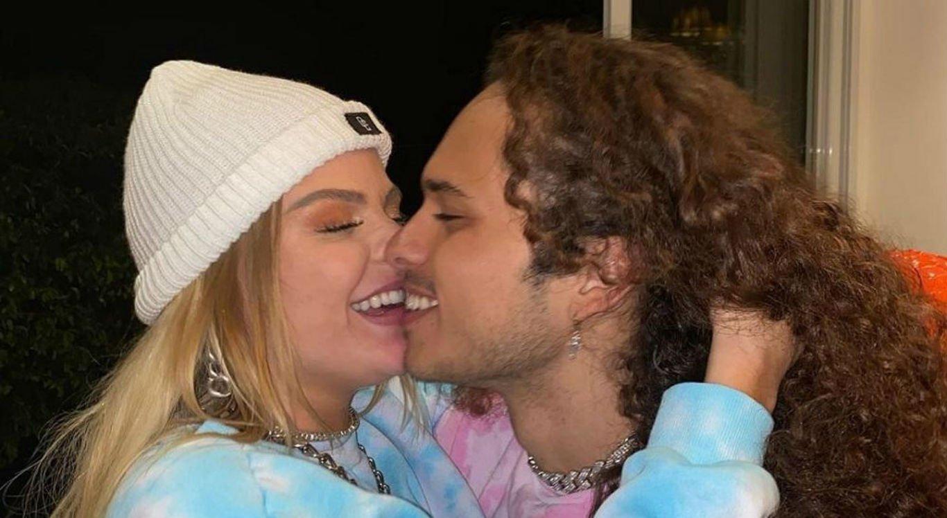 Luísa Sonza e Vitão assumem relacionamento