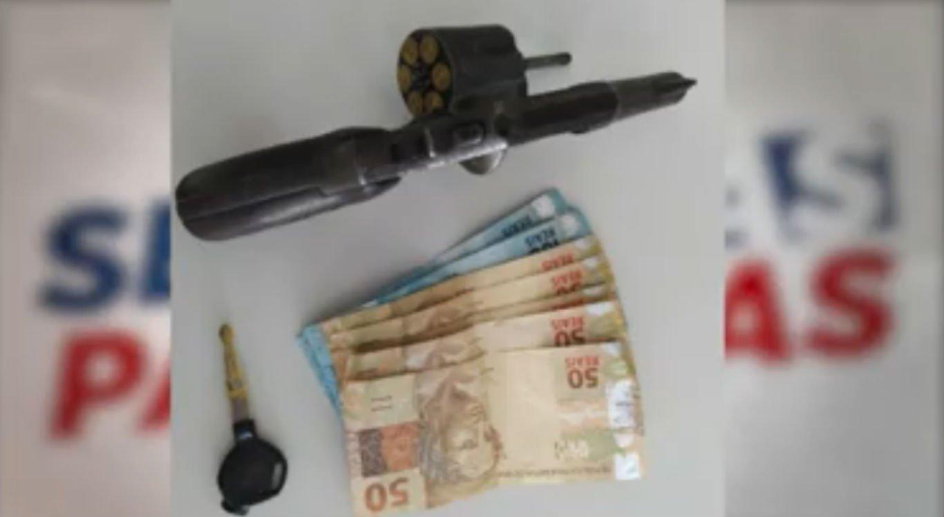 Material apreendido após troca de tiros na zona rural de Caruaru